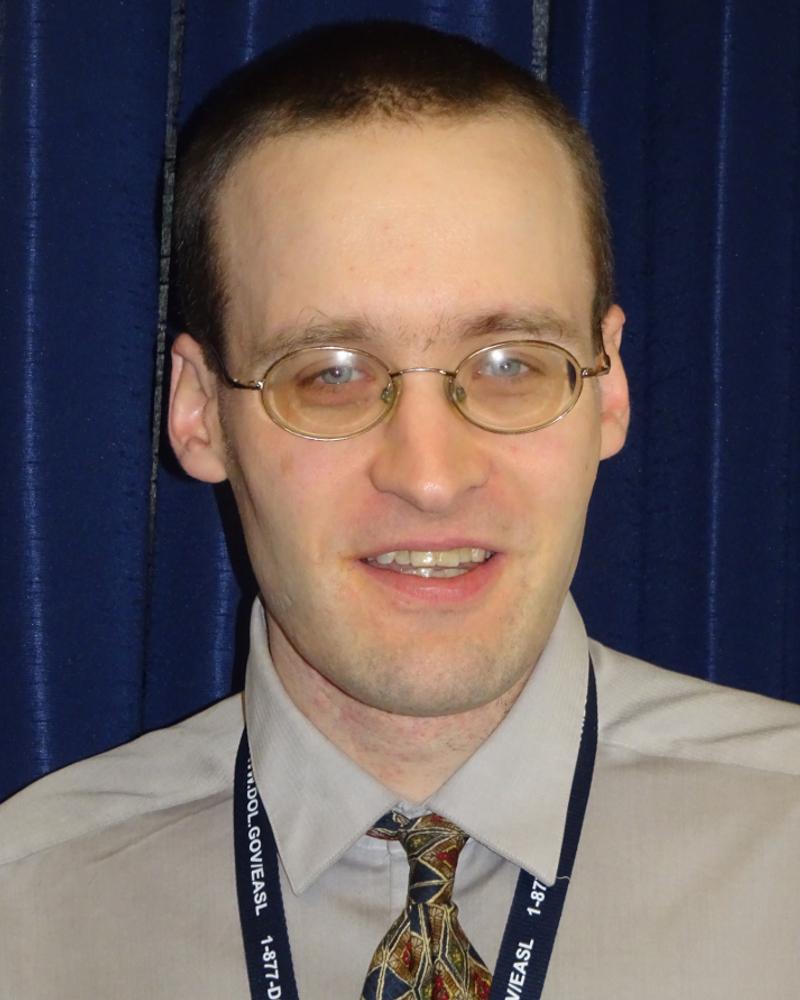 Scott Michael Robertson's headshot